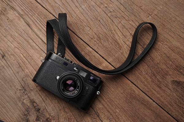 """Sterly"" Leather Camera Strap in black leather"
