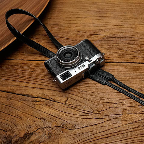 Pleat leather camera strap Black