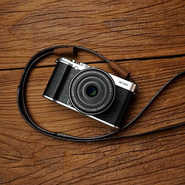 Pleat leather camera strap Red brown
