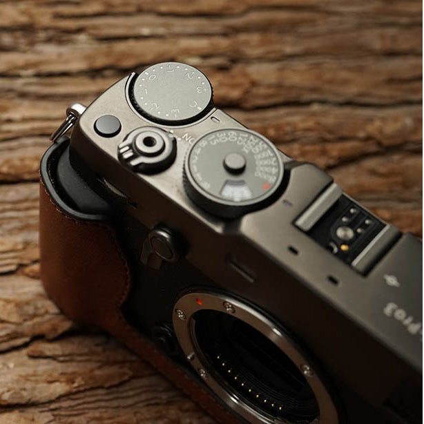 Leather half case <br>for Fuji X-PRO3 Brown
