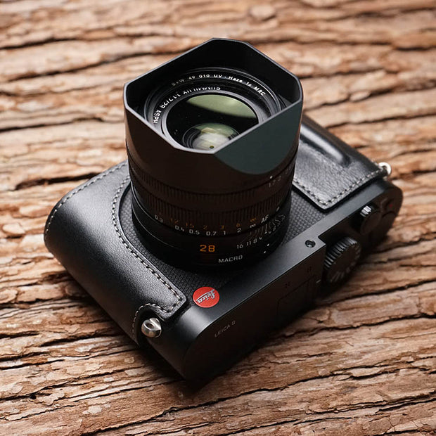 camera half case for Leica Q2 with little handle