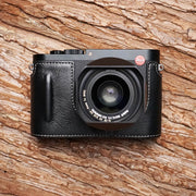 Leather camera half case for Leica Q2 Black with little handle