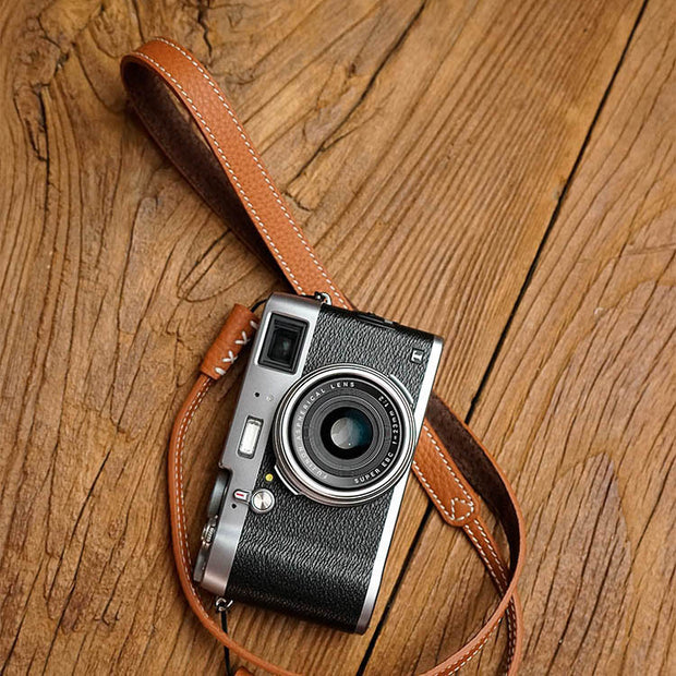 Pleat leather camera strap Camel