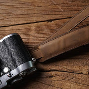 Purst leather camera strap<br> Horse color