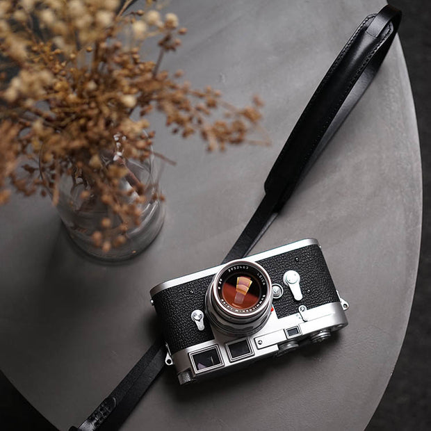 Roled leather camera strap Black