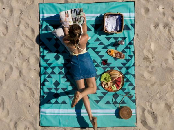 6 Essential Beach Items You Must-Have on the Beach
