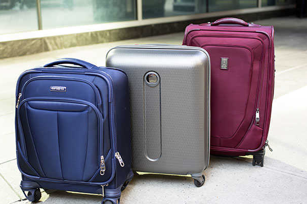 What material to choose when choosing a trolley suitcase?