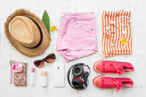 How to pack for a weekend trip?