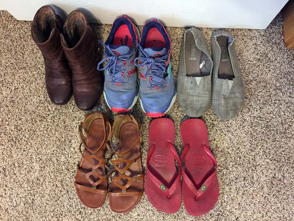 What should I pack shoes for travling?