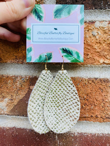 Beige/gold Snakeskin earrings