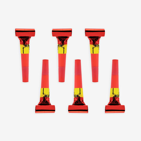 6 party blowers - Red