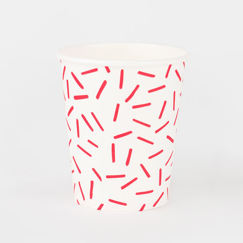 8 paper cups - Red sprinkles