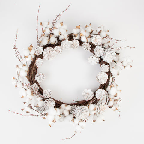 1 wreath of cotton flowers and snow-covered pines