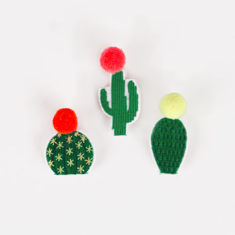 3 brooches - Cactus