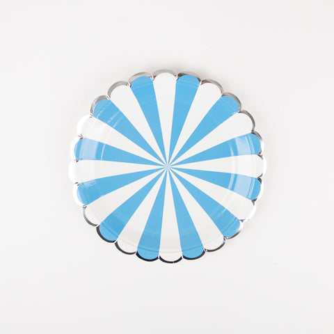 8 small blue paper plates