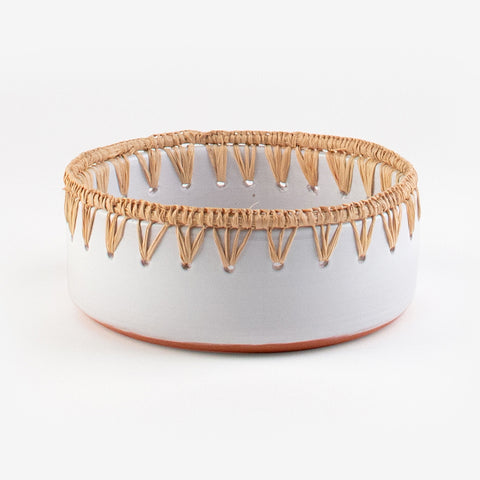 1 large clay and raffia dish - White