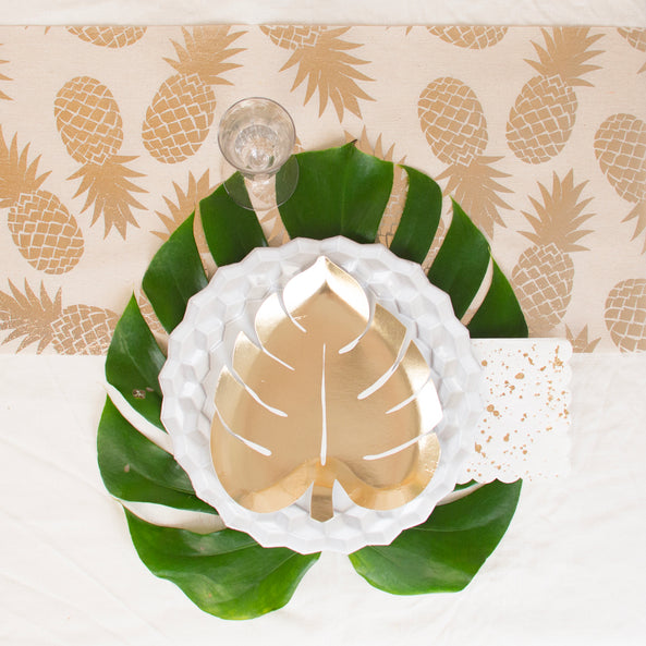1 table runner - champagne pineapple