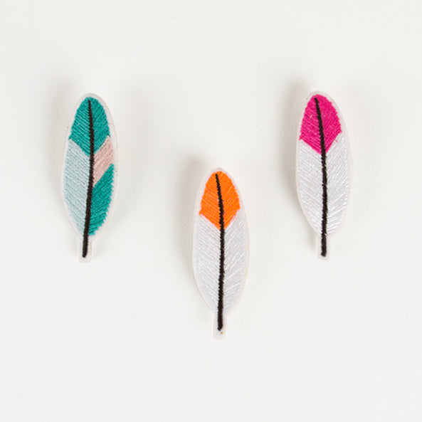 3 brooches - Feathers