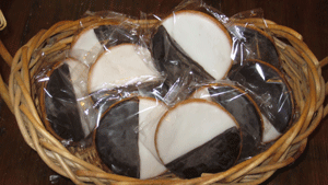 NY B&W Cookies with Shipping Included! (Usually ships in 2-3 business days)