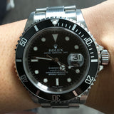 ROLEX 16610 DATE SUBMARINER STAINLESS STEEL BLACK DIAL WATCH