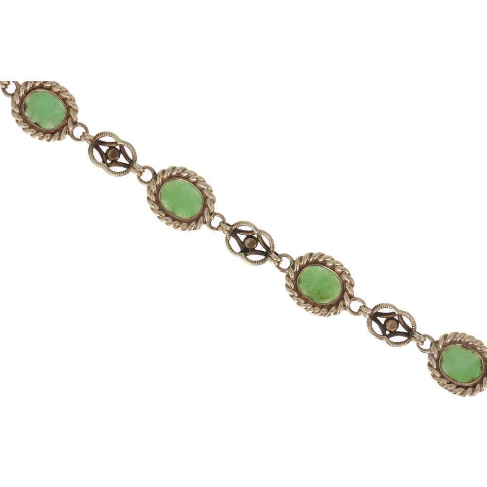 Cabochon Jade Bracelet in Yellow Gold