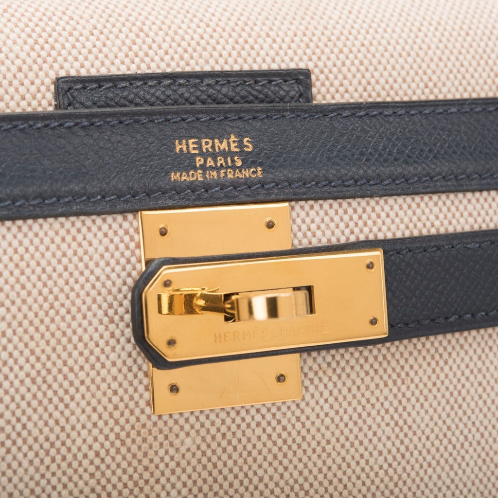 Hermes Vintage Toile and Navy Blue Courchevel Sellier Kelly 32cm Gold Hardware (