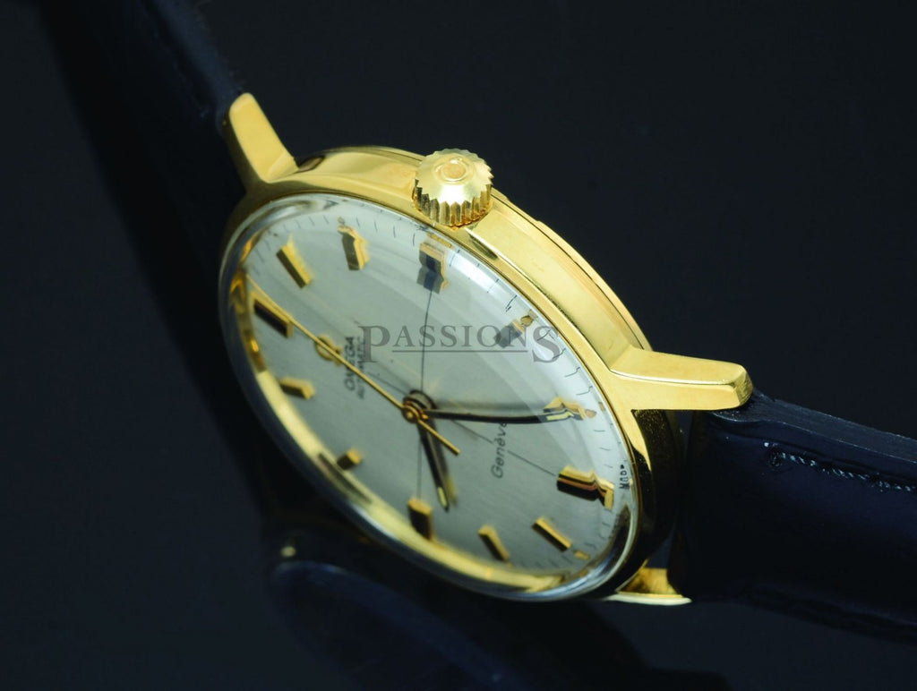 Omega 34mm Circa 1967 Geneve automatic Silvered crossed dial in 18KYG & screw ba