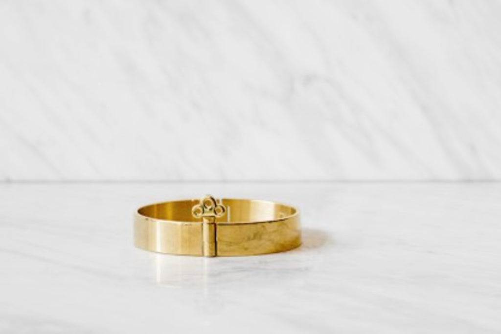 THE BANGLE BRACELET WITH LOCK