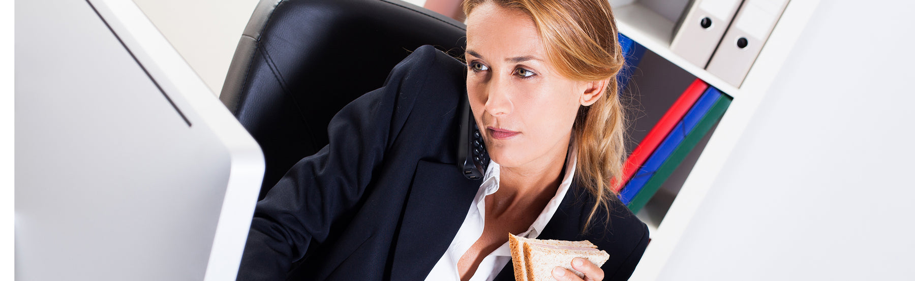 4 Reasons Not to Eat Lunch at Your Desk