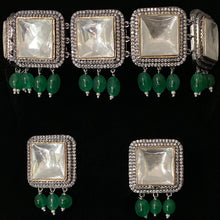 Load image into Gallery viewer, Emerald Square Choker Set-ARZIA