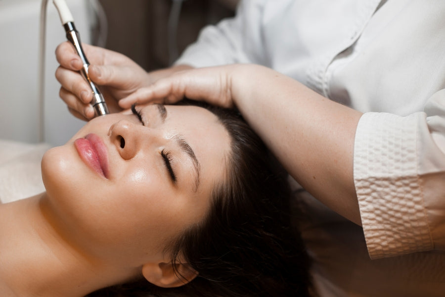Perfect Pairing: Microneedling and LED Light Therapy