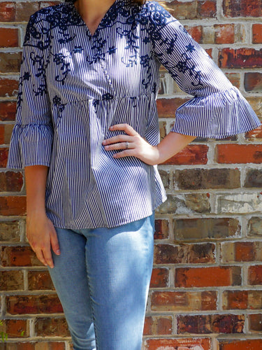 Top Aubrey - White and Navy - The Ruby Lotus Boutique