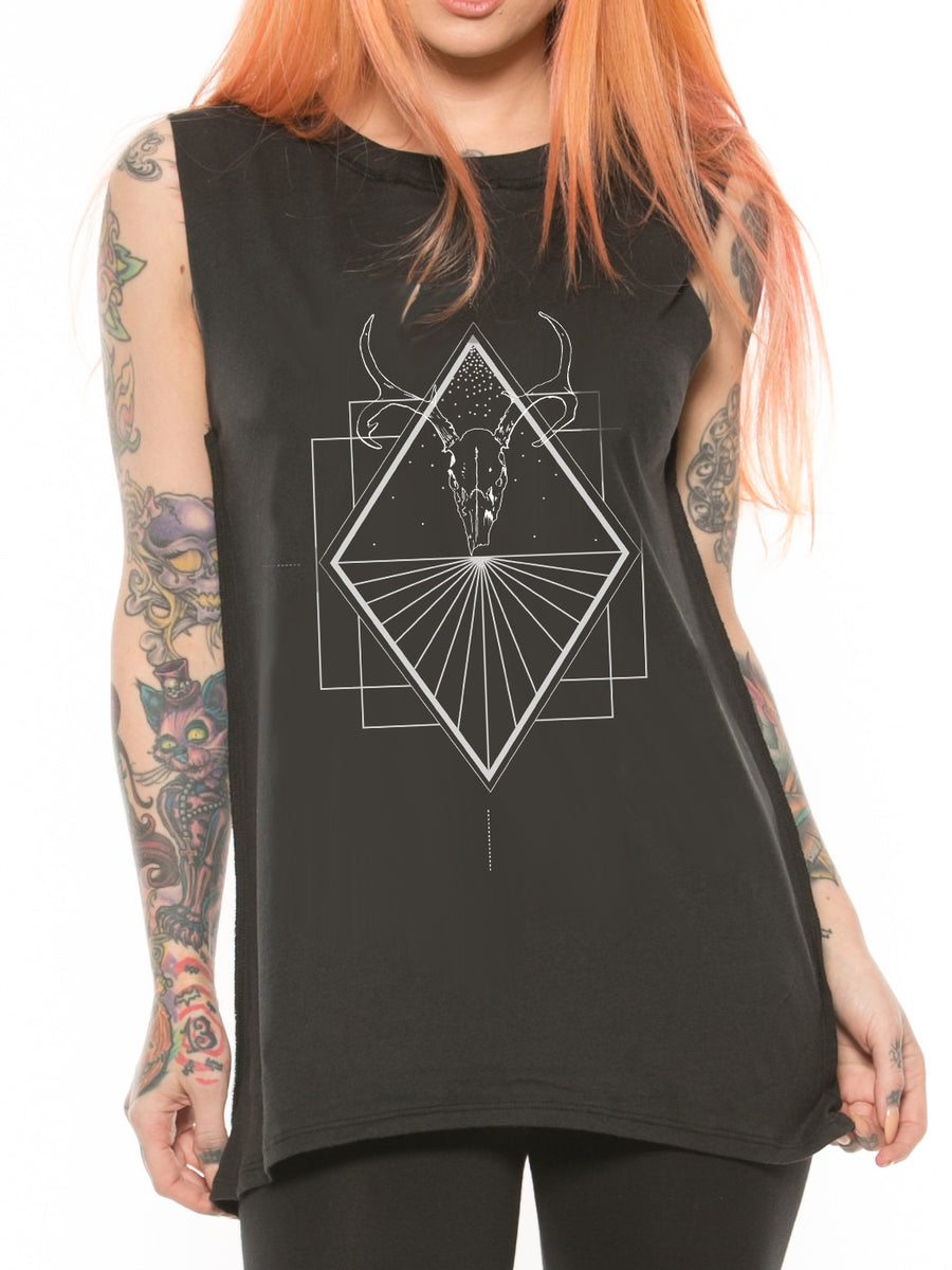 Deer Horizon Muscle Tee
