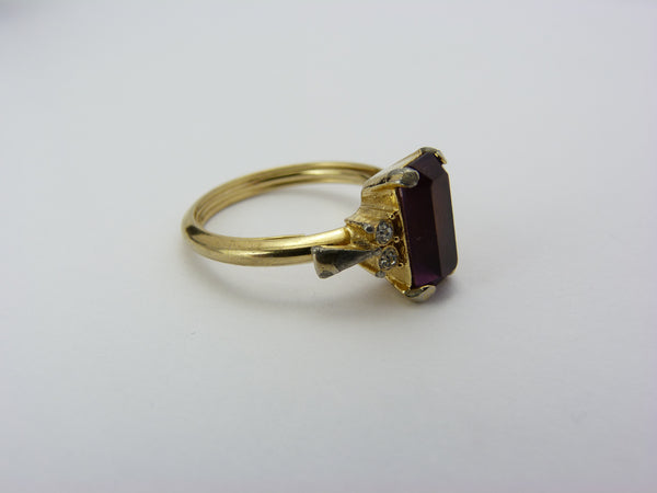 Vintage Avon Gold Tone & Amethyst Glass Ring Size P