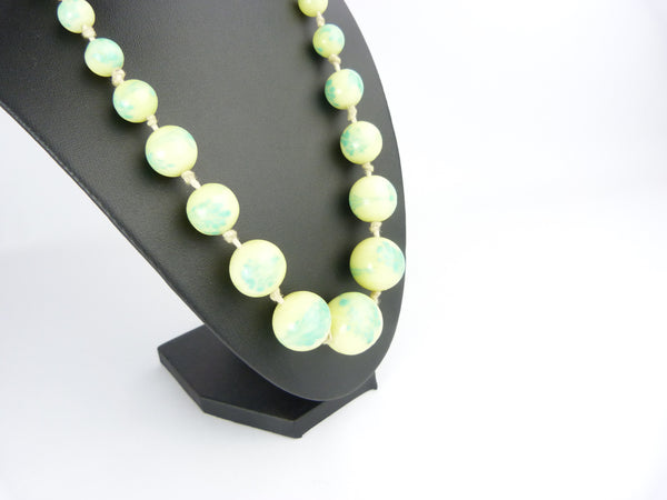 Vintage Art Deco Pale Yellow & Green Glass Bead Necklace