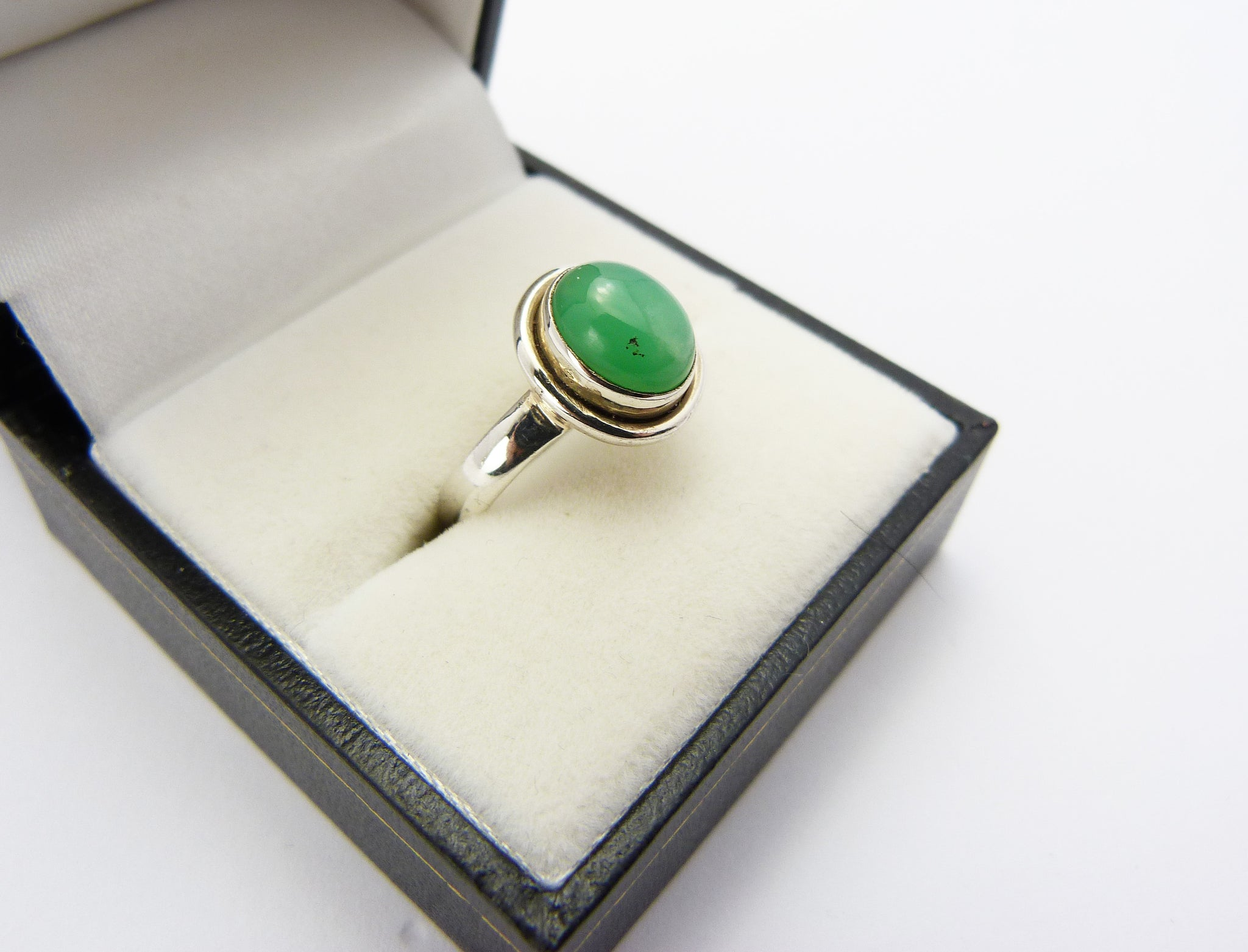Vintage Sterling Silver 925 & Chrysoprase Ring UK Size O Half - Silver Green Chalcedony Ring
