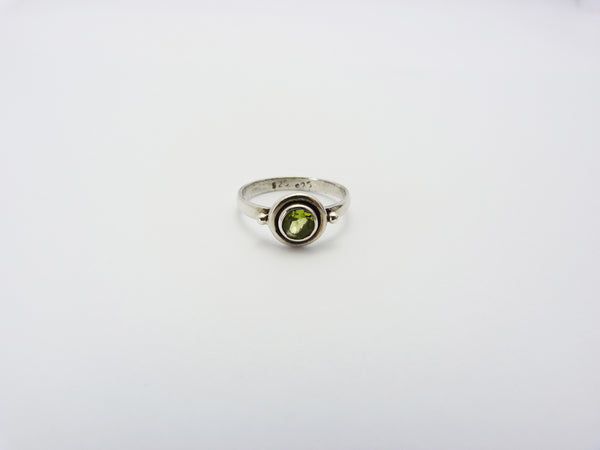 Vintage Sterling Silver 925 & Peridot Ring UK Size M Half