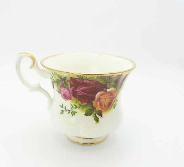Vintage Royal Albert Bone China Old Country Roses Tea Cup