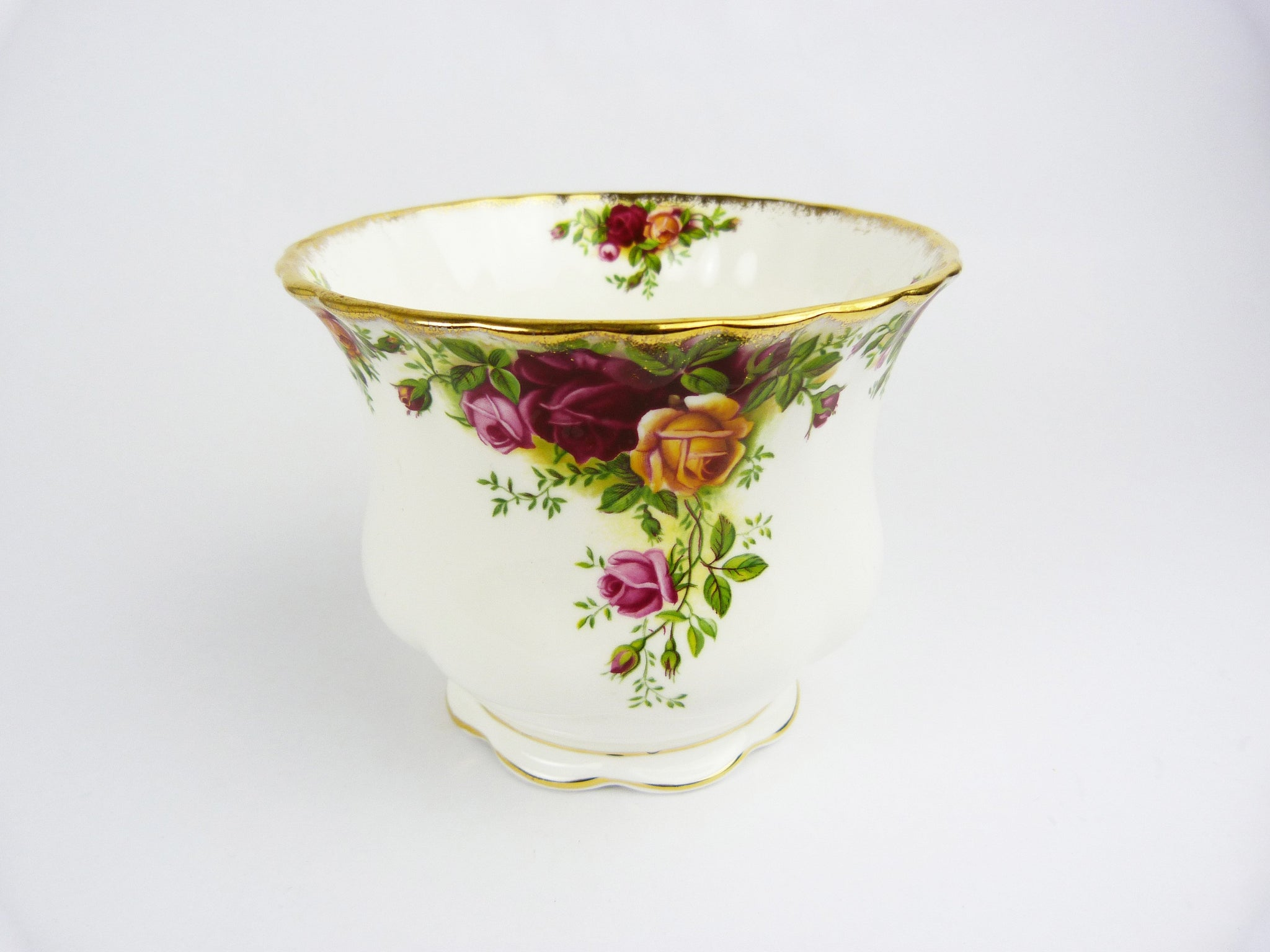 Royal Albert Bone China Old Country Roses Planter Jardiniere