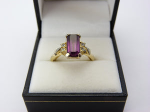 Vintage Art Deco Avon Gold Tone & Amethyst Glass Ring Size P