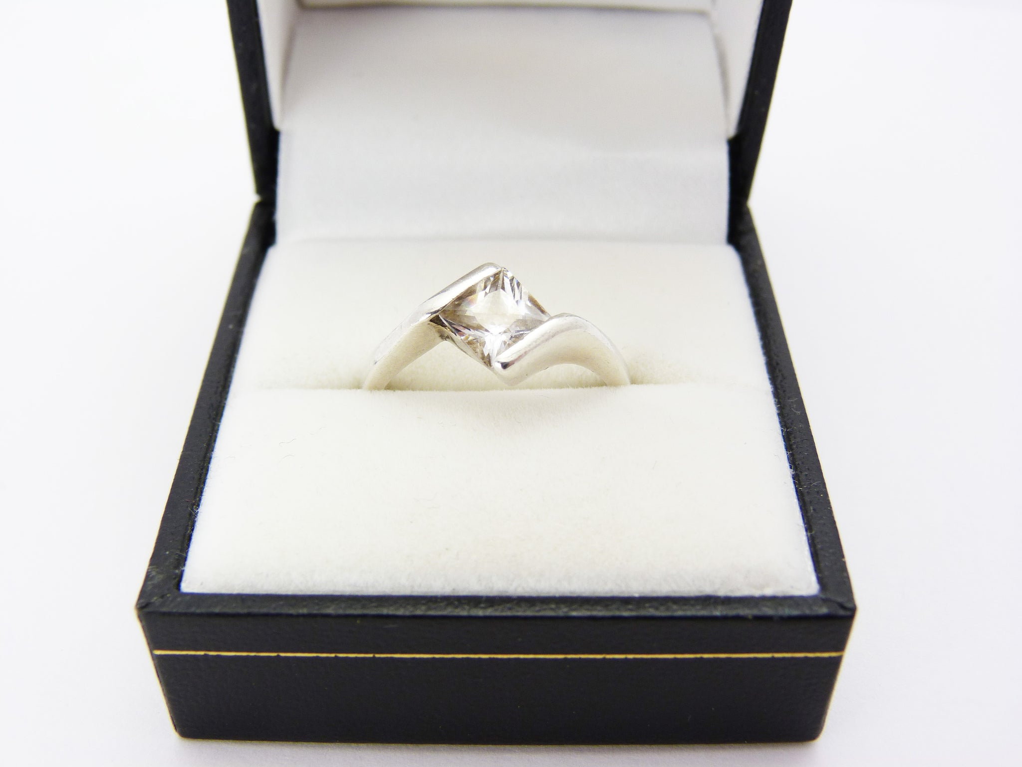 Vintage Silver 925 & Cubic Zirconia Ring UK Size M Half