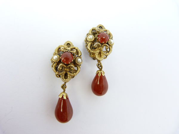 Baroque Gold Tone & Red Glass Clip On Earrings