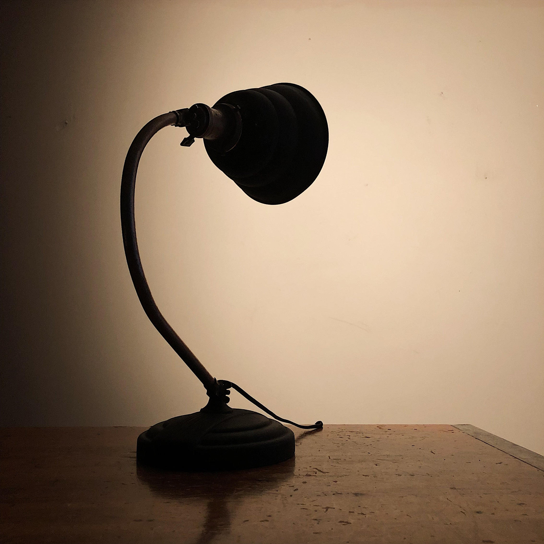 Vintage Industrial Articulating Desk Lamp - General Electric - Rare Art Deco Light - Decor - Black and Tan - Haunting