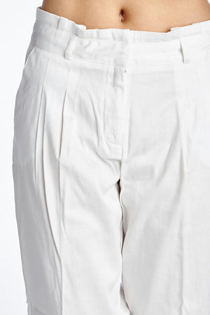 Women's White Stretch Capris