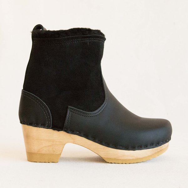 Pull on Shearling Boot - Black