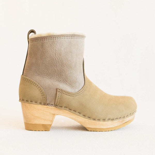 Pull on Shearling Boot - String