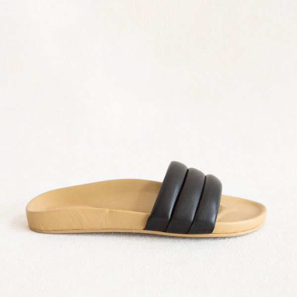 Leather Sandalia - Black
