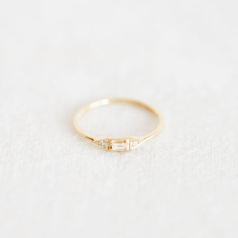Diamond Baguette Mini Deco Point Ring