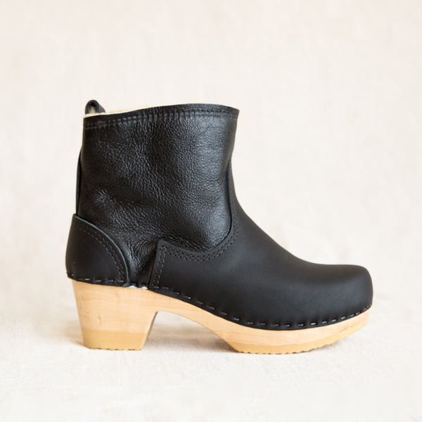 Pull on Shearling Clog - Ink Aviator