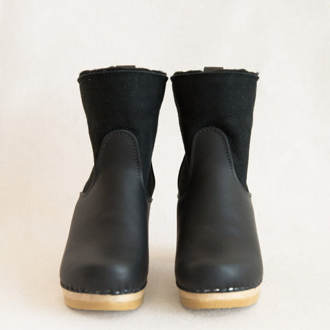 Pull On Shearling Boot - Black Suede
